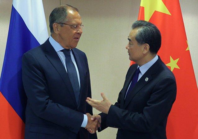 拉夫罗夫与王毅重申政治外交途径是解决朝鲜危机唯一出路