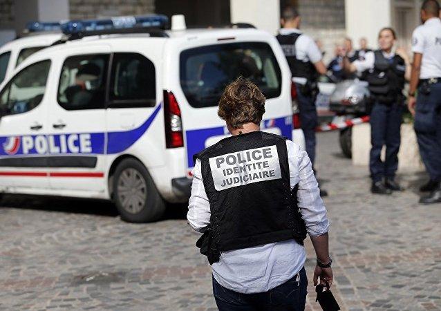 法国警方证实在马赛持刀行凶者已被击毙
