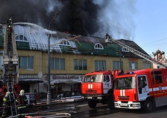 莫斯科塔甘卡广场火灾面积扩大至1500平米