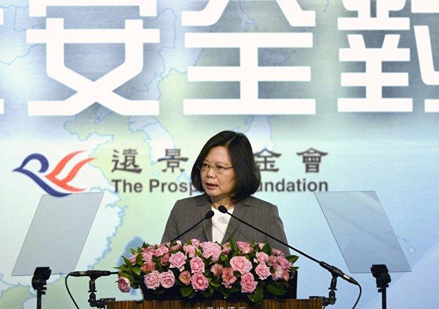 北京是否接受台湾地区领导人蔡英文关于两岸互动新模式的建议?