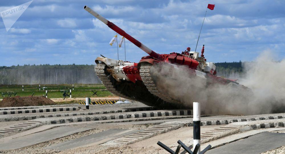 俄羅斯隊在坦克兩項決賽中取得勝利