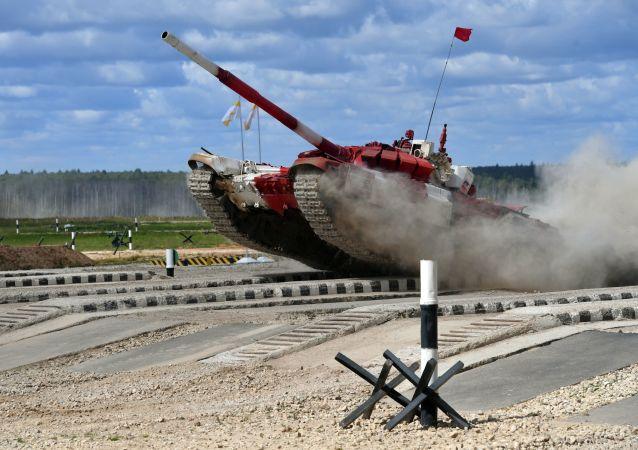 俄罗斯队在坦克两项决赛中取得胜利