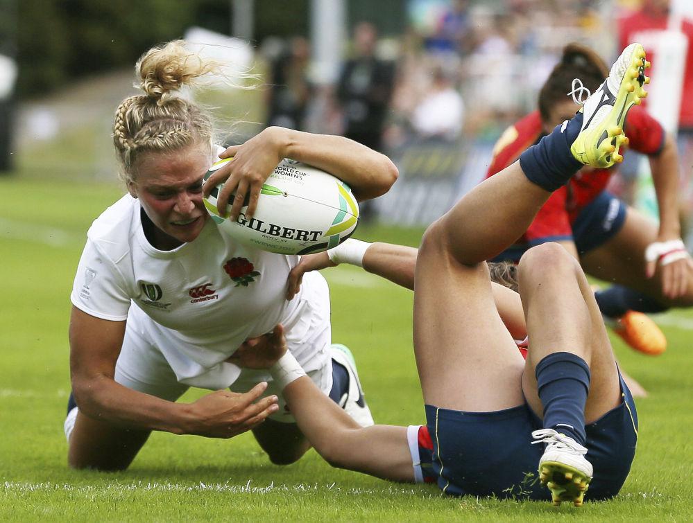 都柏林女子橄欖球錦標賽期間,英國和西班牙女子隊之間的橄欖球比賽