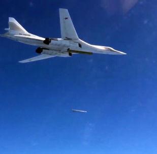 俄空天军为歼灭叙代尔祖尔附近武装分子每日出动战机60-70架次