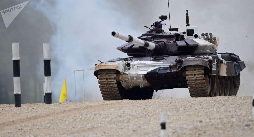 """国际军事比赛""""苏沃洛夫突击""""赛决赛正在中国举行"""