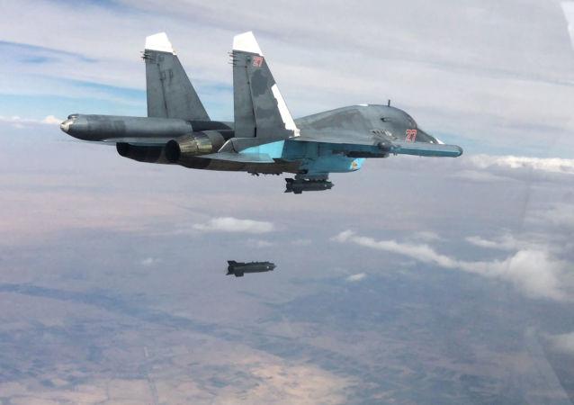 """俄空天军在叙代尔祖尔郊区歼灭多名""""伊斯兰国""""知名高级头目"""