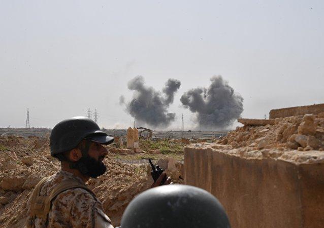 叙政府军清除代尔祖尔机场周边IS恐怖分子