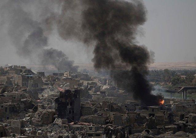 """伊拉克宣布开始空袭泰勒阿费尔的""""伊斯兰国""""目标"""