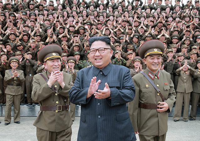 朝鲜称为庆祝先军节举行军演