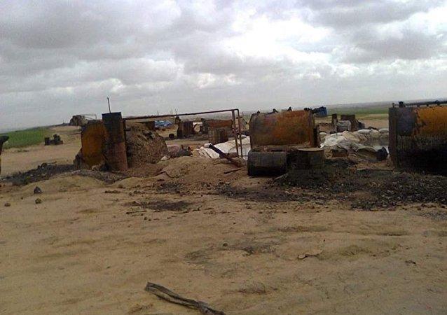 """达伊沙组织在摩苏尔生产""""低质量石油"""""""