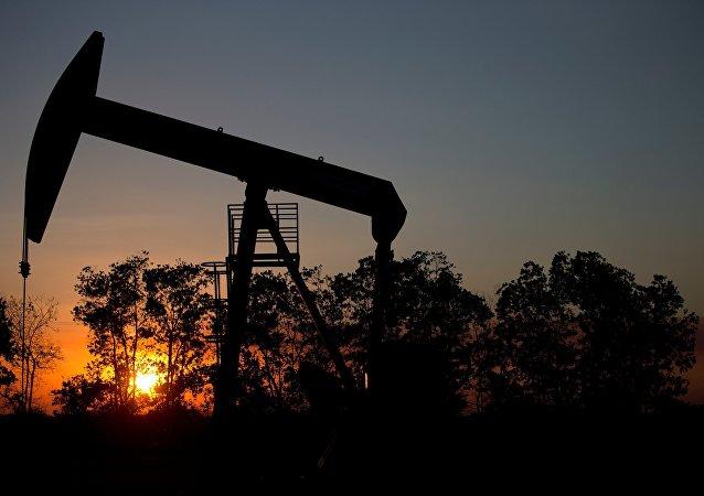 外媒:委内瑞拉石油公司约50名员工因涉嫌腐败被捕