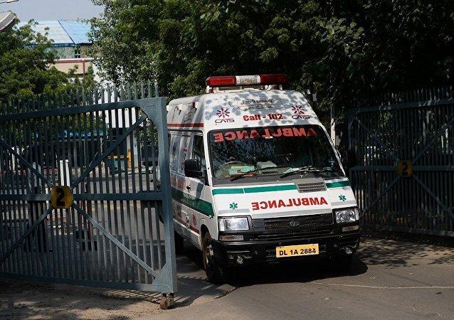 印度空军一架直升机在喜马拉雅地区实施硬着陆致4人受伤