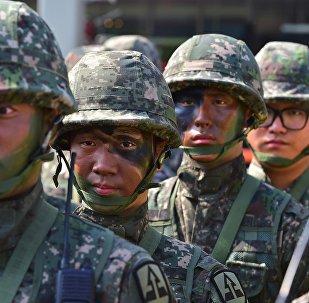 """媒体:韩国炮兵演练期间K9""""雷电""""自行榴弹炮发生爆炸"""