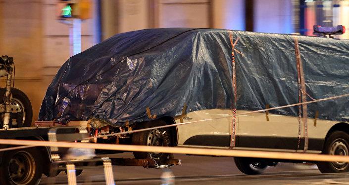 媒体:在加泰罗尼亚实施恐袭的恐怖分子曾计划使用炸弹卡车发动袭击