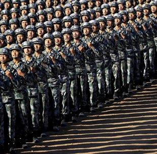 中国军队正进行全面的干部改组