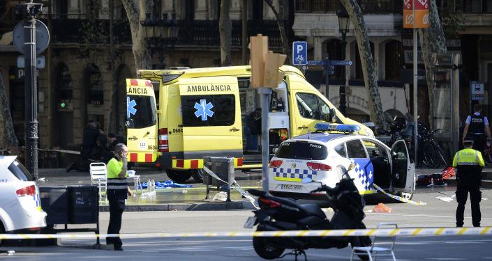 5名恐怖分子驾车在坎布里尔斯冲撞人群 一名警官击毙其中4人
