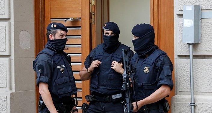 西班牙内政部称正在调查恐怖分子是否与邻国有联系