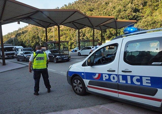 法国警方加强西班牙-法国方向人员过境检查