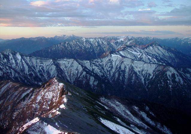 日本北部的阿尔卑斯山