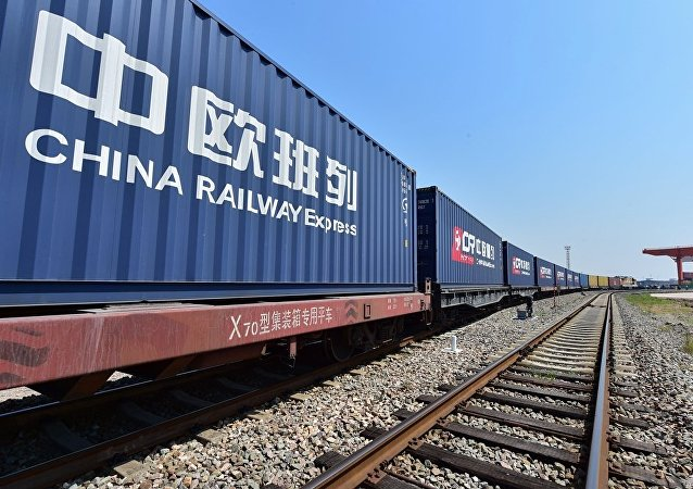 青藏高原化工品通过中欧班列运往俄罗斯