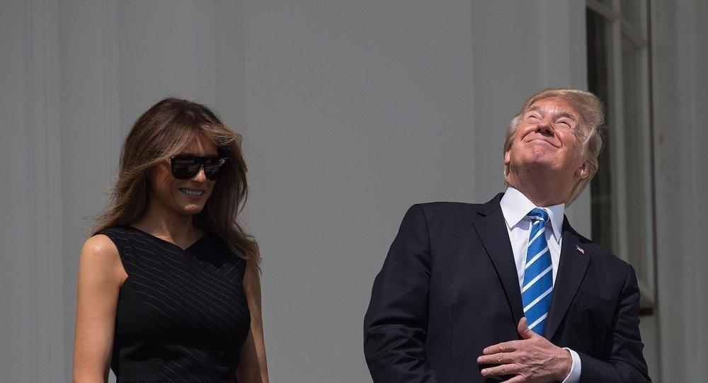 特朗普观看日食