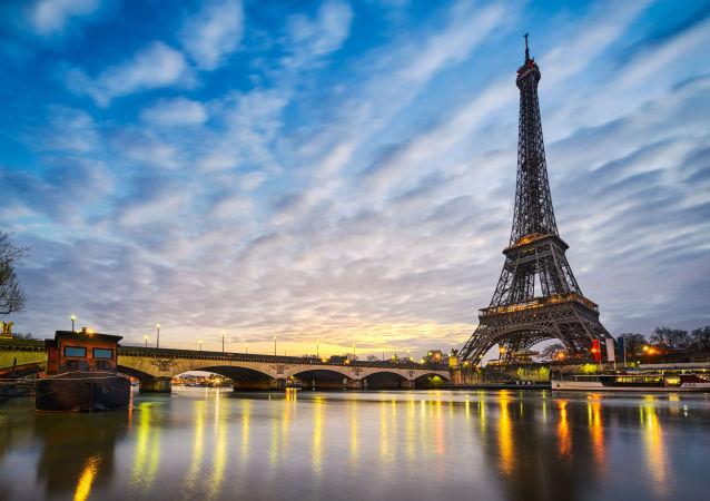 """巴黎出台绿化计划 市中心停车场变""""森林"""""""