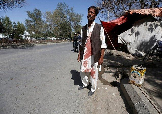 媒体:阿富汗武装分子袭击了首都的清真寺