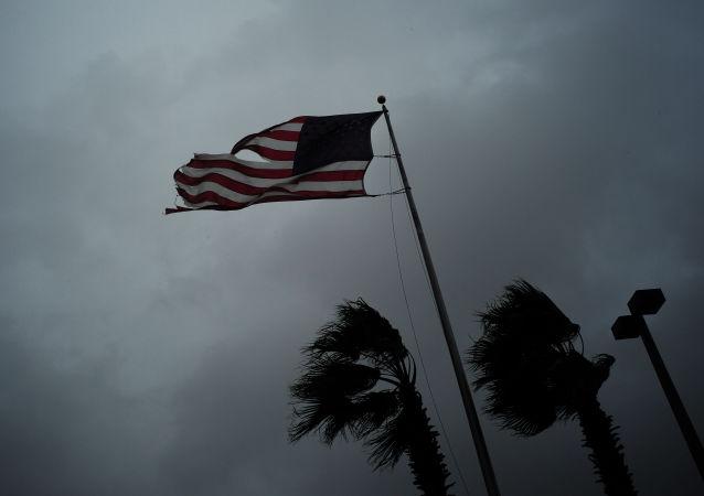 """美国国家飓风中心:""""纳特""""飓风登陆美国"""