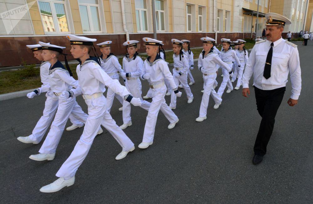 纳希莫夫海军学校符拉迪沃斯托克分校学生