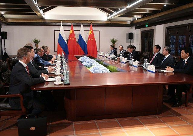 中俄一致同意坚持朝鲜半岛无核化目标