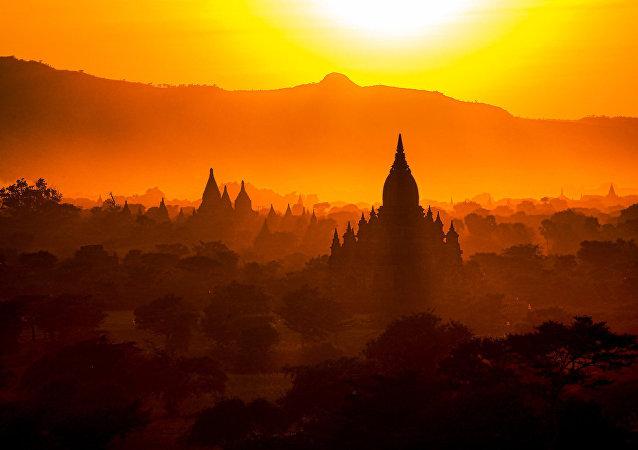 缅甸武装分子焚毁一座佛教寺院