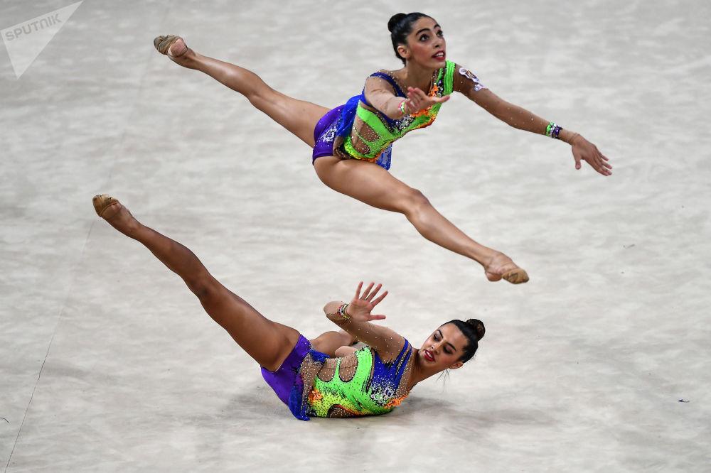 西班牙队的女体操运动员们
