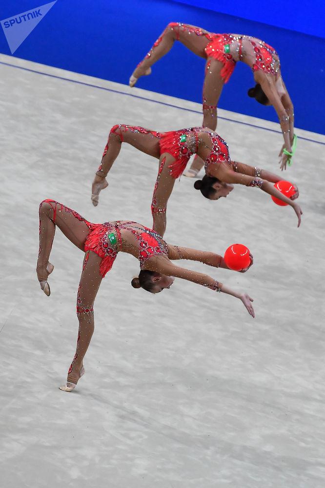 俄罗斯队的女体操运动员们