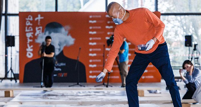 中国画家蔡国强即将在俄开首次个展