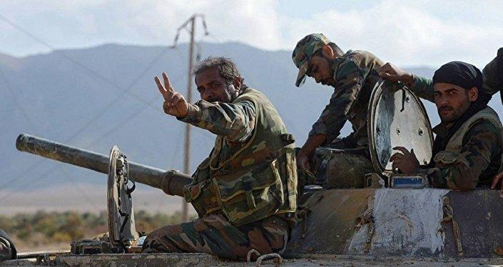 消息人士:叙政府军解放代尔祖尔东南部并向幼发拉底河进发