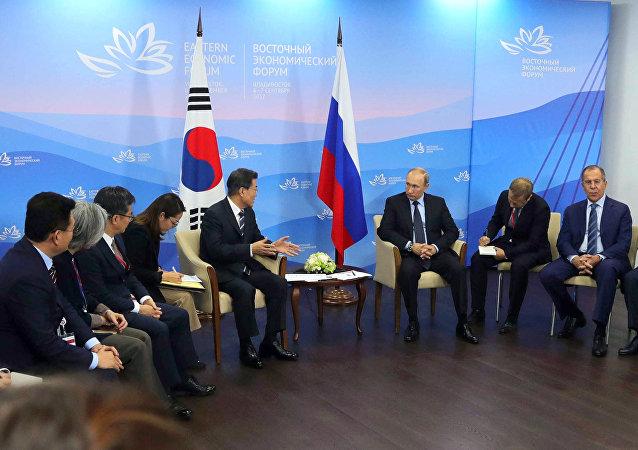 普京称与韩总统的会谈内容丰富且富有建设性