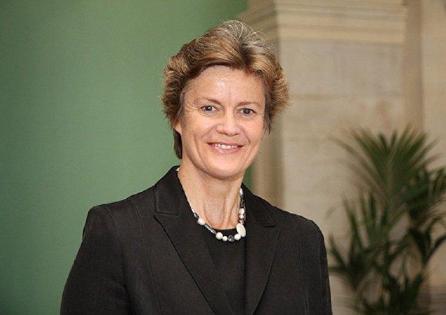 英国驻华大使吴百纳女士