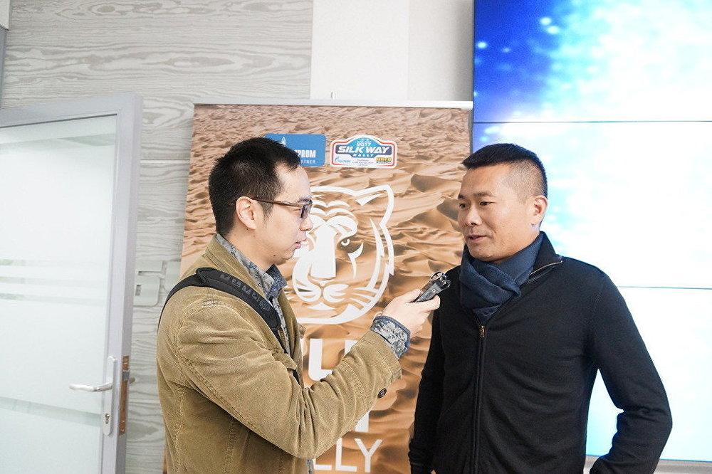 在頒獎前記者對韓魏進行了採訪