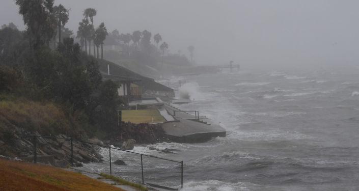 欧委会为加勒比海飓风受灾岛屿划拨200万欧元
