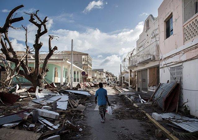 """""""伊尔玛""""飓风"""