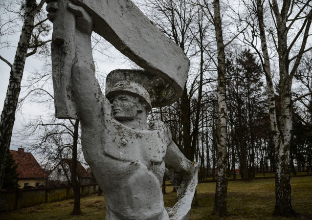 俄罗斯外交部称波兰拆迁苏军阵亡将士墓地的陵墓是亵渎行为