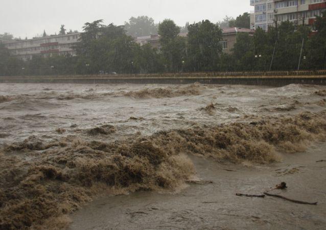 意大利发生洪灾 致6人死亡