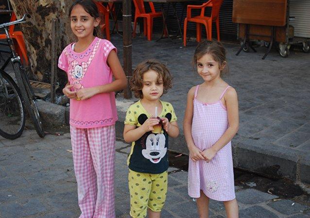 代尔祖尔的孩子对自己获救深感幸福