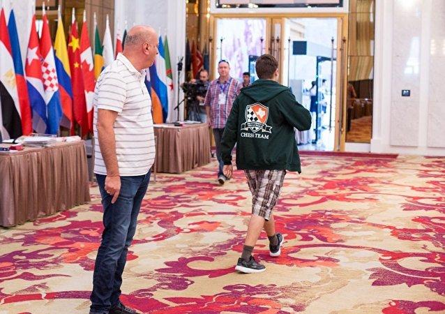 科瓦廖夫离开了第比利斯