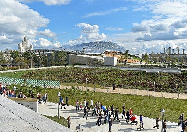 莫斯科中心新公园已为中国游客翻译所有路标