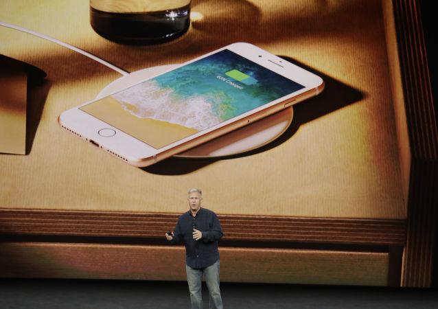 苹果发布iPhone 8