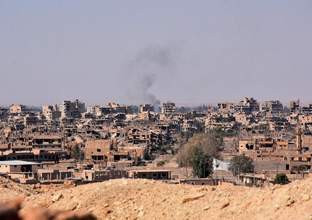 叙利亚人逃出代尔祖尔