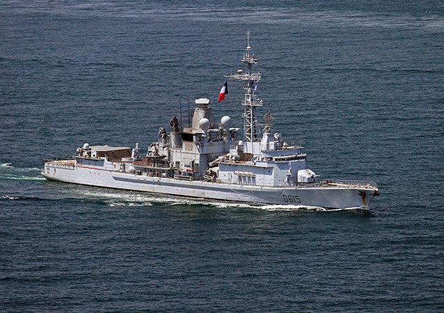 """法国海军""""让•巴尔""""号护卫舰"""
