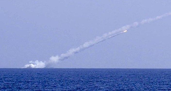 俄軍潛艇對敘「伊斯蘭國」目標實施導彈打擊
