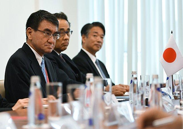 拉夫罗夫:日本外相将于11月底访问俄罗斯